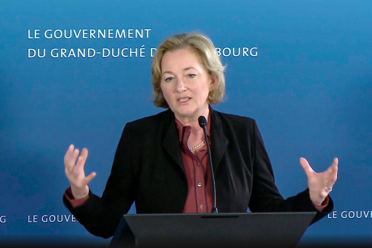 Bei ihrer Videopressekonferenz gab Gesundheitsministerin Paulette Lenert bekannt, dass es in Luxemburg 335 bestätigte Corona-Fälle gibt, Stand Donnerstag 16 Uhr. Allein am Mittwoch waren landesweit 750 Tests durchgeführt worden.