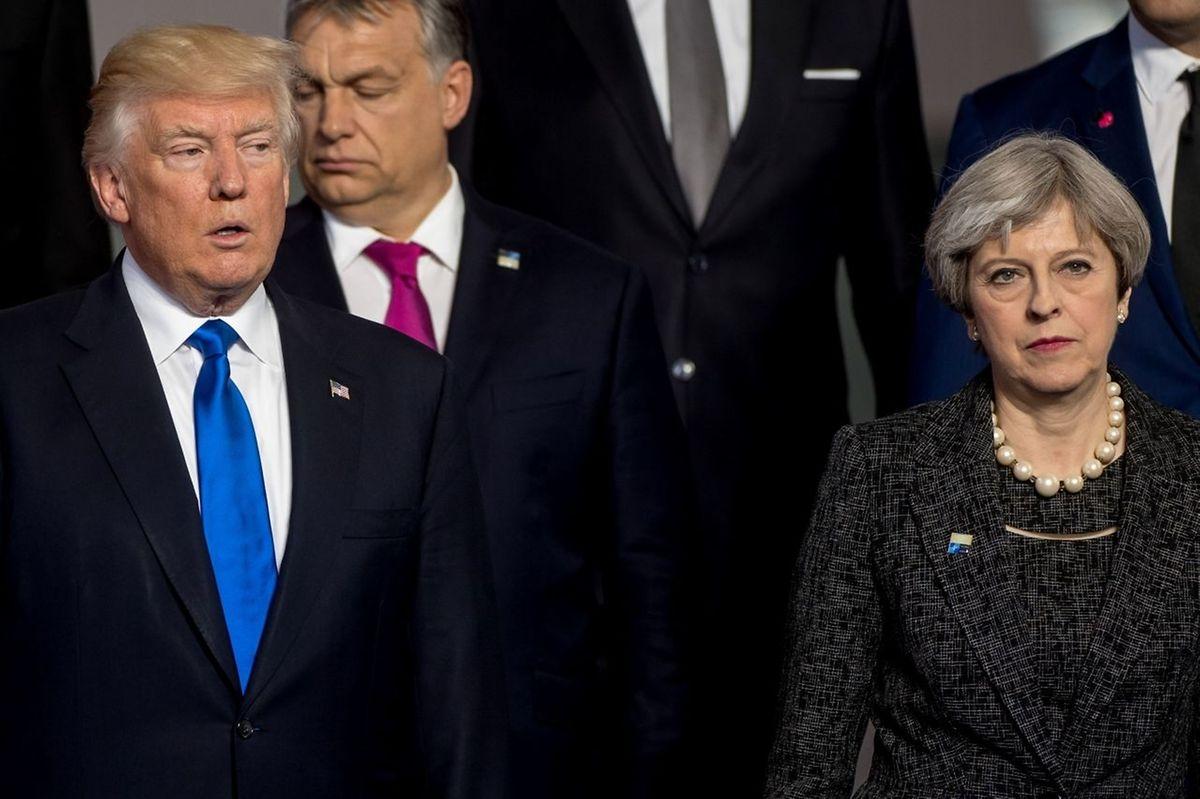 Ein Bild sagt mehr als tausend Worte ... Kein freundliches Wiedersehen zwischen May und Trump.
