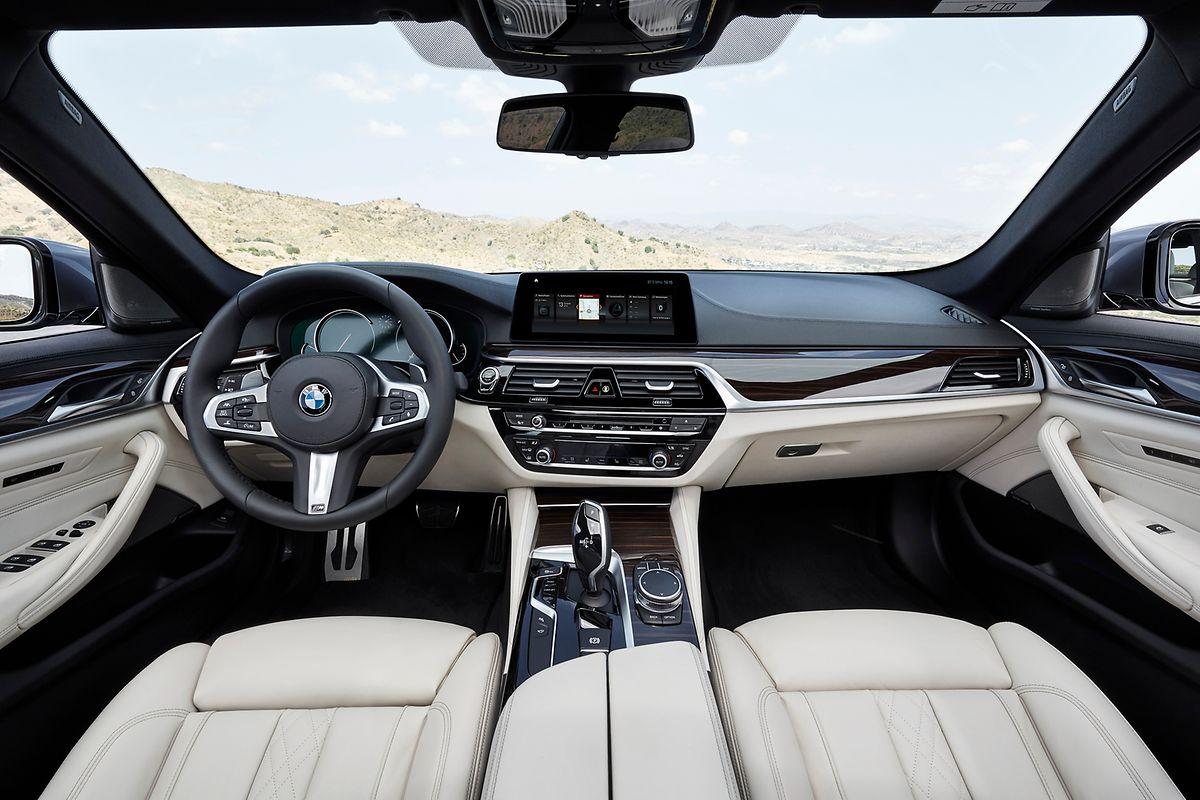 Für das Cockpit gibt es auf Wunsch ein 10,25-Zoll-HD-Display.