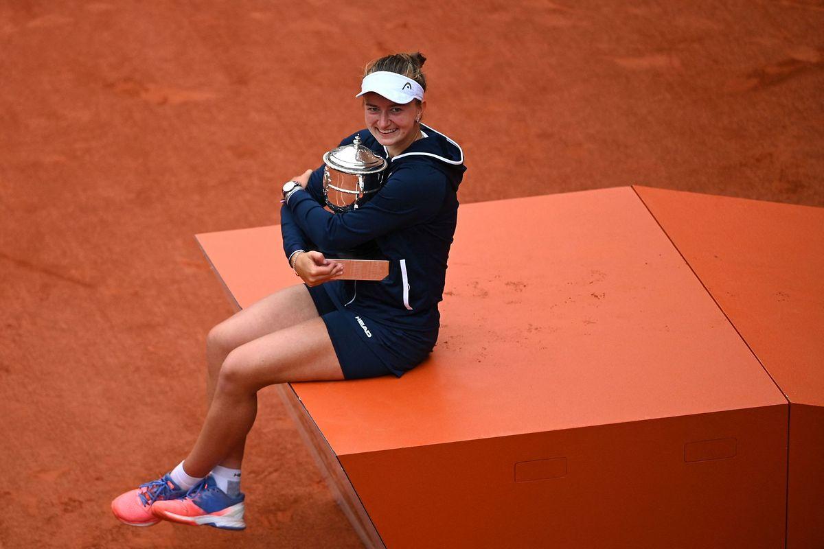 Ihr Baby: Barbora Krejcikova kann sogar das Doublé holen.