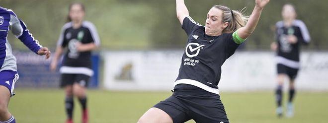 Campeã do futebol feminino no Luxemburgo termina carreira d1ab7660b8f34