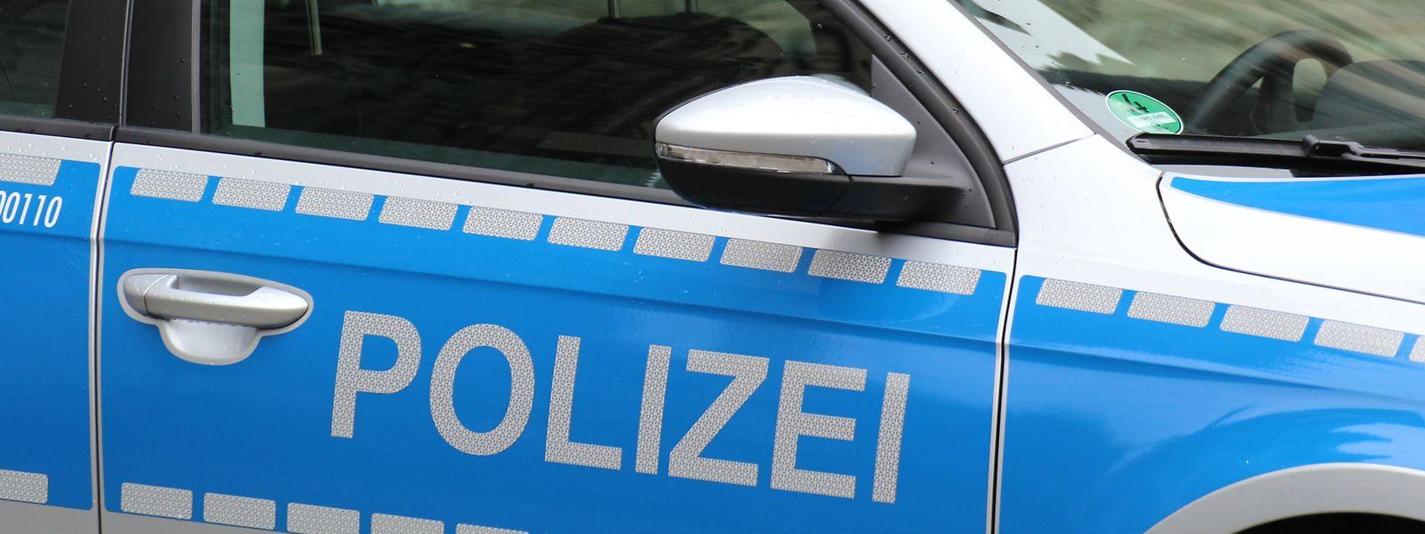 Die Polizei musste die N10 zwischen Neuerburg und Krautscheid sperren.