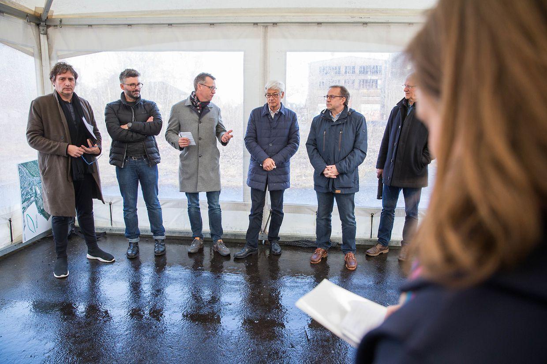 Die Vertreter des Bauherrn und der Stadt bei der Vorstellung des Projektes am Donnerstag.
