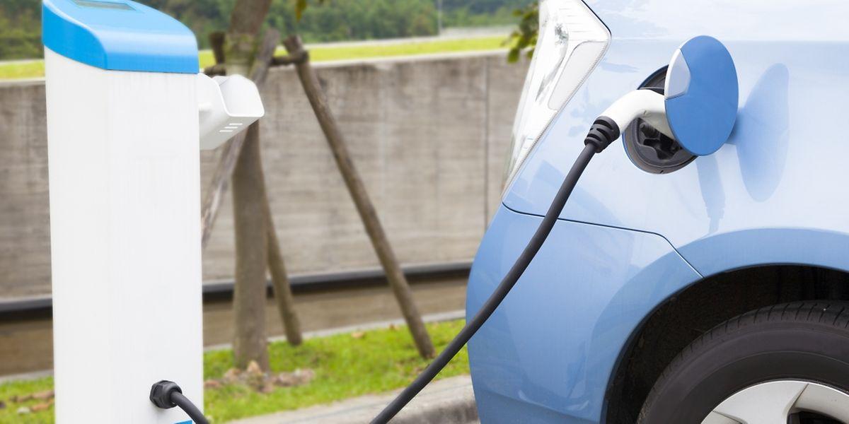 Bis 2020 sollen landesweit 800 Aufladestationen für Elektroautos in Betrieb sein.
