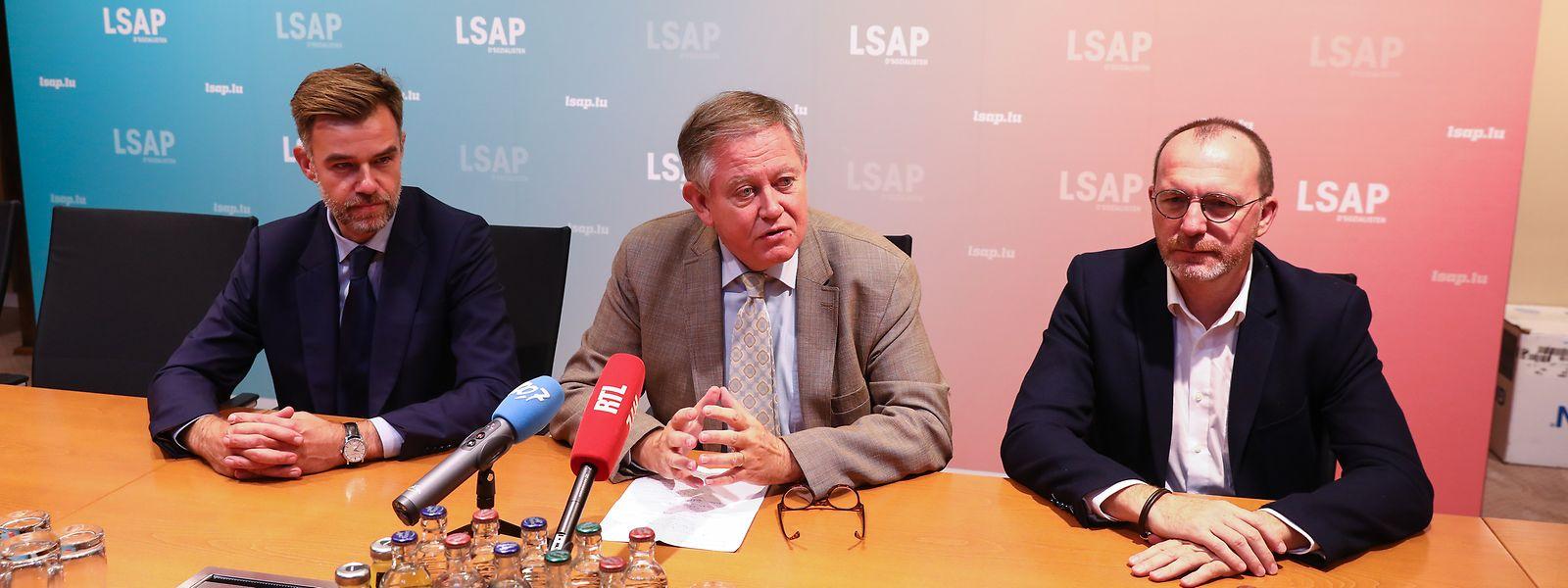 Parteipräsident Franz Fayot, Fraktionspräsident Alex Bodry und der kommende Chef der LSAP-Abgeordneten Georges Engel kommentierten die politische Aktualität.