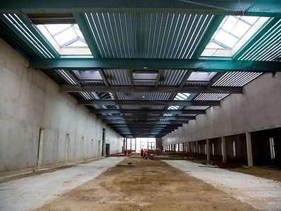 Behind the column on the far right is the washing area.