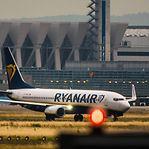 Ryanair mantém encomenda de 135 aviões semelhantes ao que caiu na Etiópia
