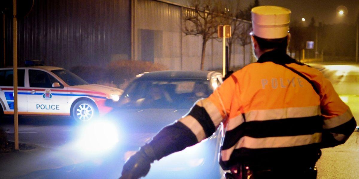 Vier PKW-Fahrer, die in der Nacht zum Sonntag zu tief ins Glas geschaut hatten, mussten ihren Lappen abgeben.