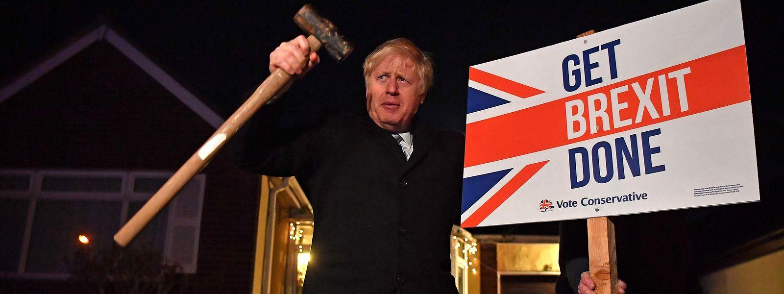 Boris Johnson, Premier ministre en exercice, a obtenu une confortable majorité aux dernières élections, ouvrant la voie à un Brexit rapide.