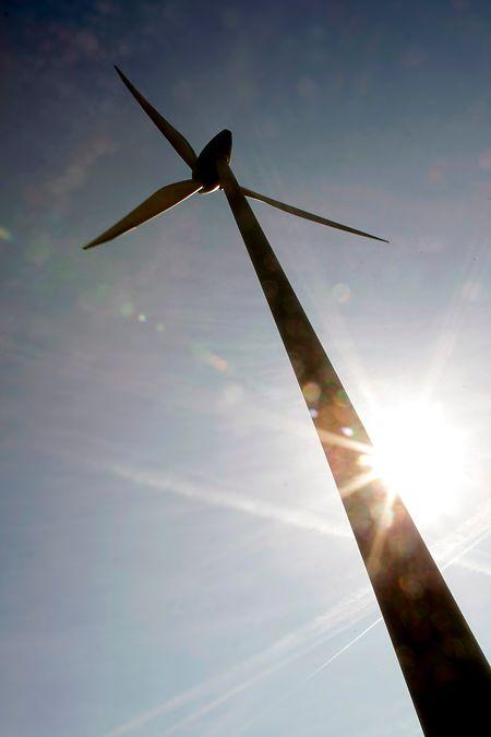 Die Hebel  ansetzen will die Regierung unter anderem bei den erneuerbaren Energien, deren Anteil auf 23 bis 25 Prozent am Endverbrauch gesteigert werden soll.