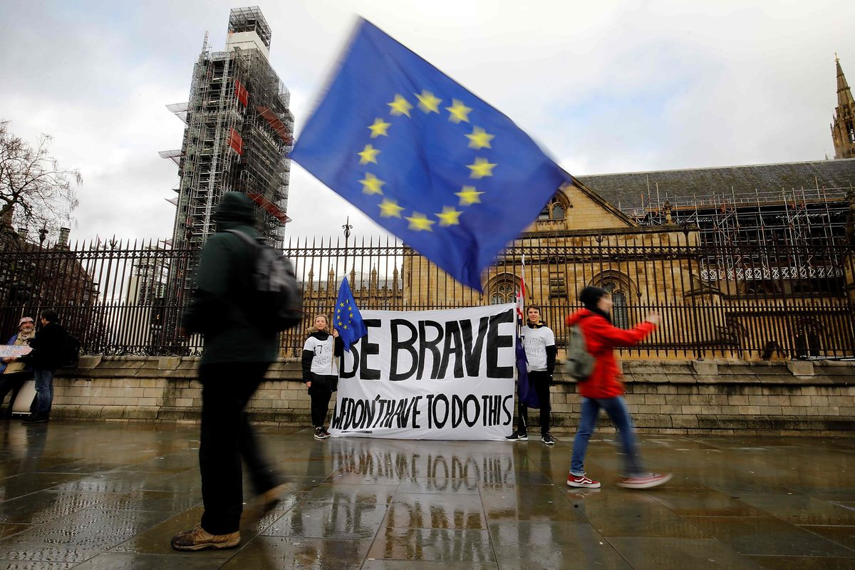Anti-Brexit-Demonstranten protestierten am Dienstag vergeblich vor den Houses of Parliament in London.