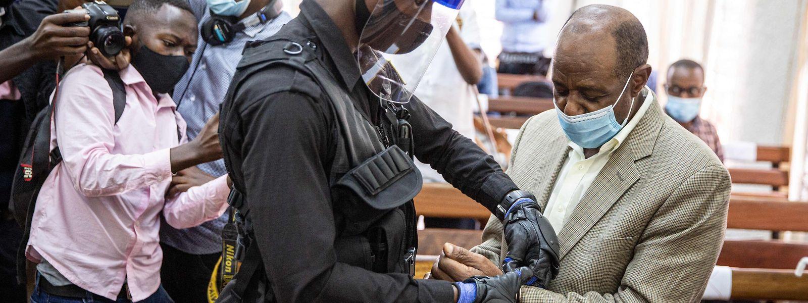 """Ein Gericht in Ruanda hat den """"Hotel Ruanda""""-Helden Paul Rusesabagina des Terrorismus für schuldig befunden."""