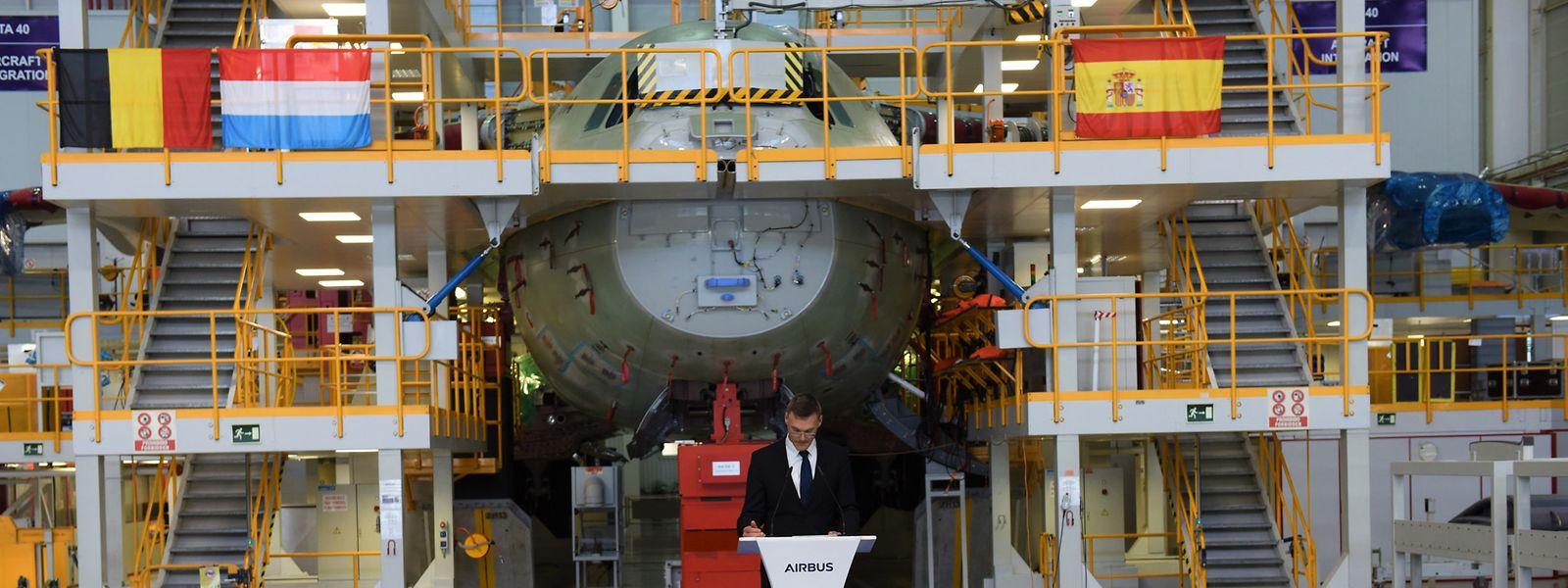 Eine Delegation aus Belgien und Luxemburg besuchte das Airbus-Werk in Sevilla.