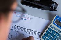 Illustration: Déclaration d'impôts, Foto Lex Kleren