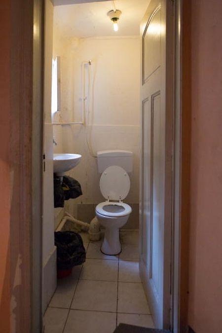 Esta é a única sanita que serve os oito quartos.