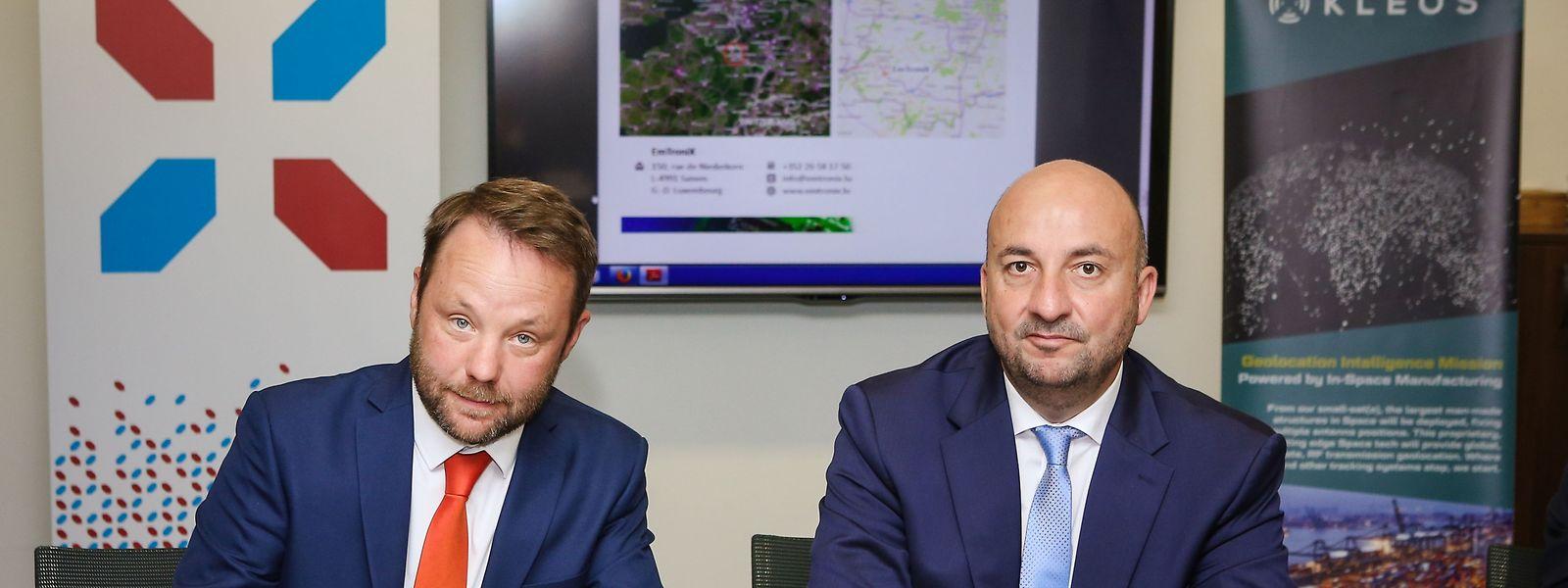 Kleos-Direktor Andy Bowyer und Wirtschaftsminister Etienne Schneider unterzeichneten am Montag eine Absichtserklärung.