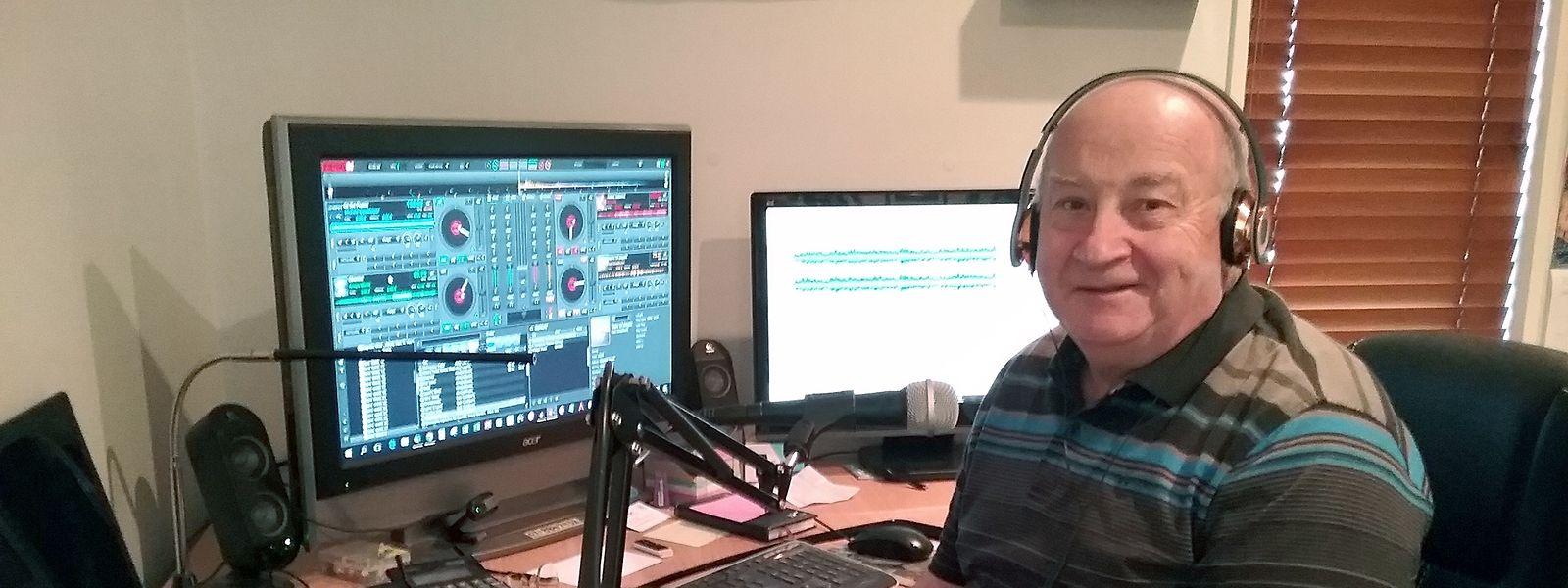 Radio-DJ John Watson sendet seit vier Jahren über eine kostenlose Handy-App sowie über verschiedene Internet-Plattformen seine Schlummermusik von Neuseeland aus in alle Welt.