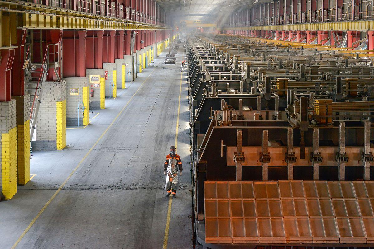Manche Rohstoffe verarbeitet ERG bis zum Endprodukt wie zum Beispiel Aluminium aus dem Rohstoff Bauxit.