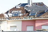 Viele Häuser sind nach dem Tornado unbewohnbar.
