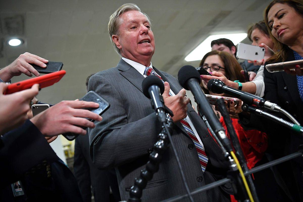 Der republikanische US-Senator Lindsey Graham hat zusammen mit dem Demokraten Chris Van Hollen eine parteiübergreifende Resolution erstellt, die Sanktionen gegen die Türkei vorsieht.