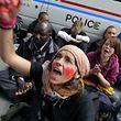 Bei den Krawallen vor dem Konferenzzentrum in Kirchberg waren mehrere Demonstranten und Polizisten verletzt worden.