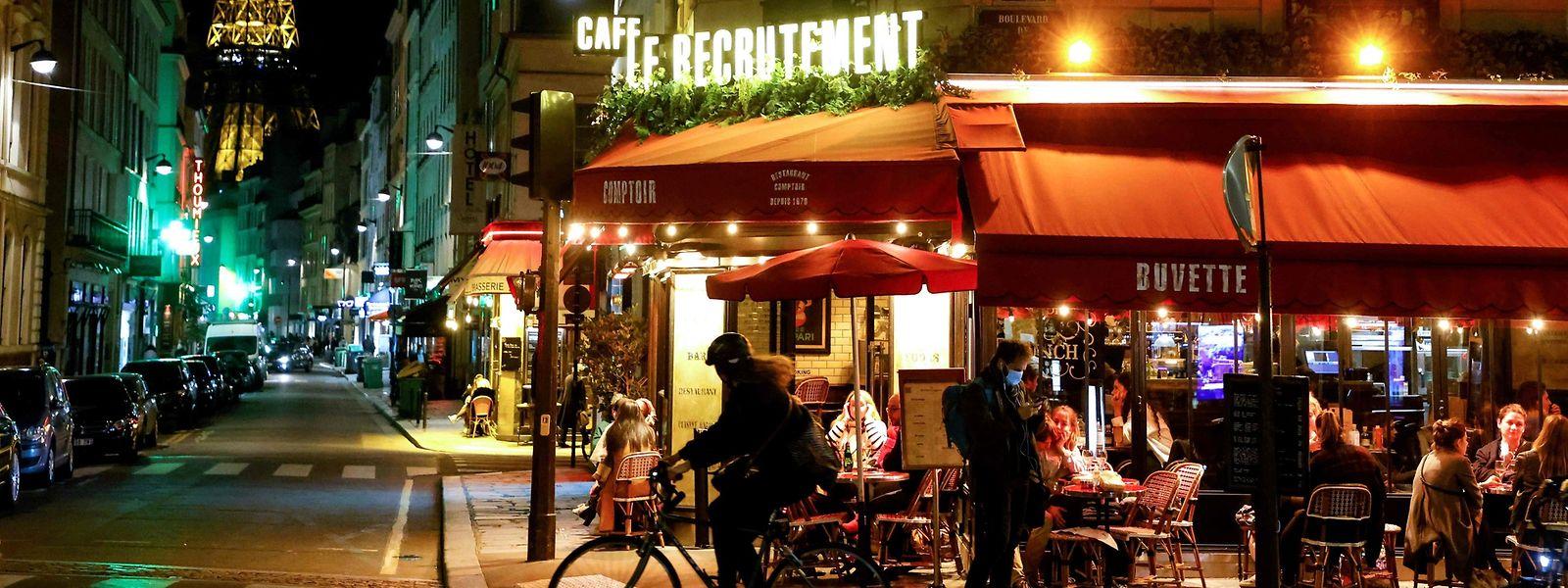 Actuellement, deux Français sur trois sont soumis à un couvre-feu nocturne.