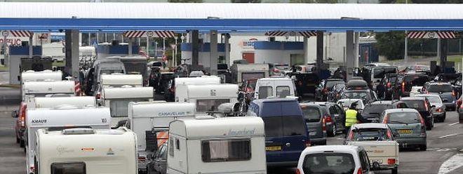 Die von der Regierung in Auftrag gegebene Studie zum Tanktourismus lässt weiter auf sich warten.