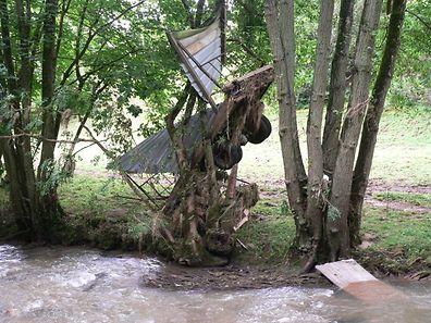 �berschwemmungen Unwetter Aufr�umarbeiten Hessemillen / Foto: John LAMBERTY