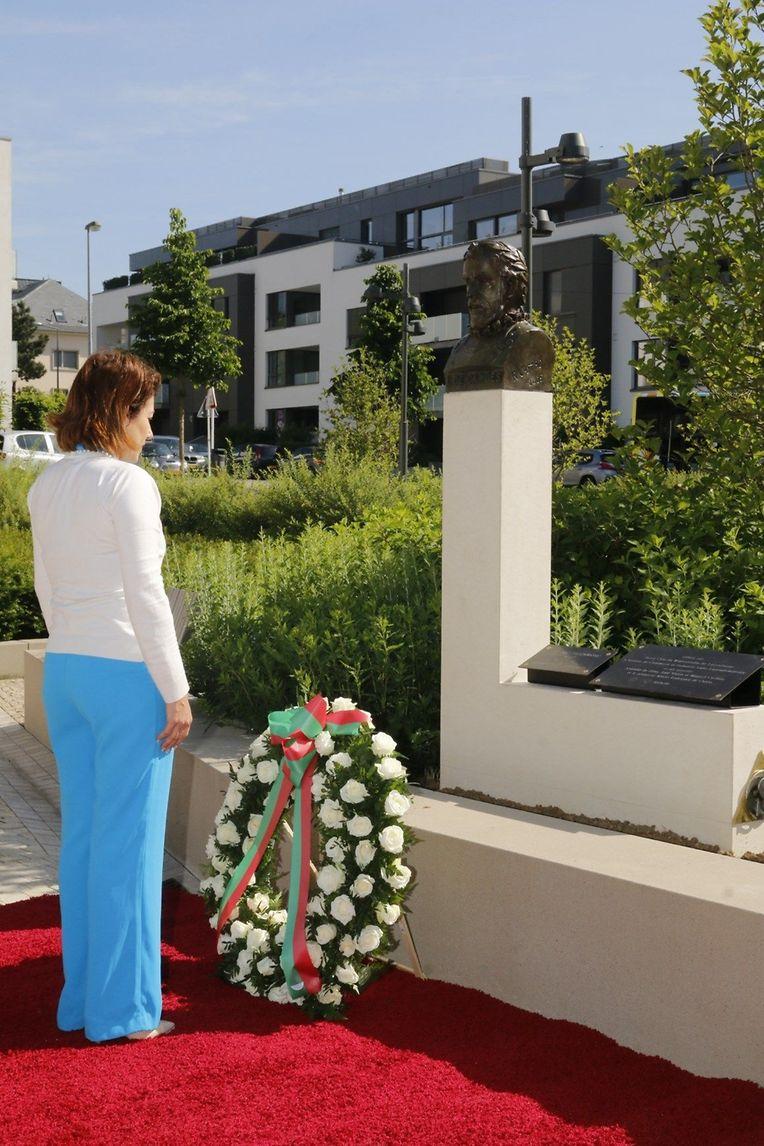 A ministra esteve hoje numa cerimónia para assinalar o 10 de Junho, junto ao monumento a Camões, que mudou de Bonnevoie para Merl