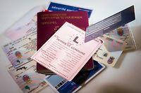 Carte d'identité ,Passeports,permis de conduire.Foto:Gerry Huberty