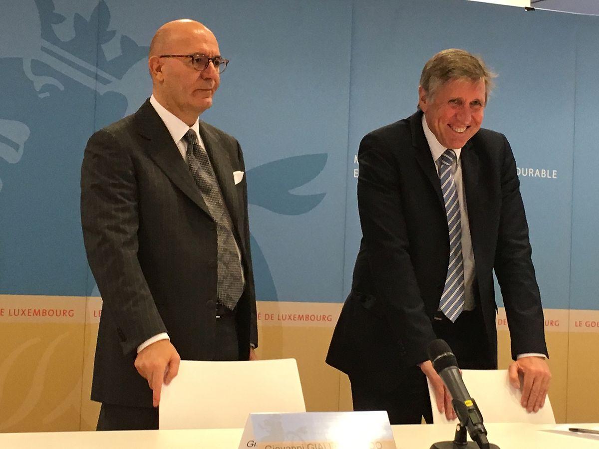 Le représentant de Delfin, Giovanni Giallombardo, au coté du ministre des Transports, François Bausch