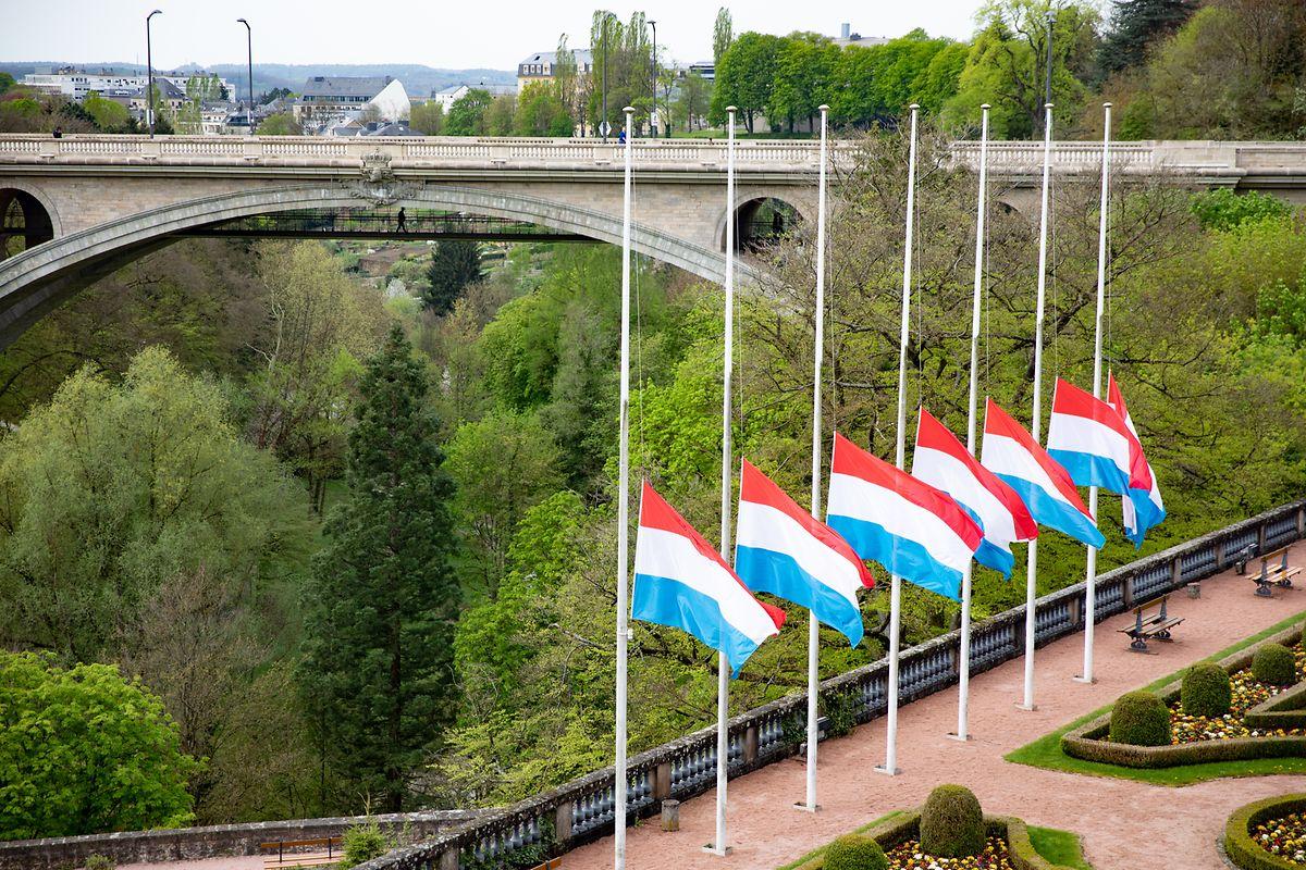 Les drapeaux aux quatre coins du pays seront mis en berne.