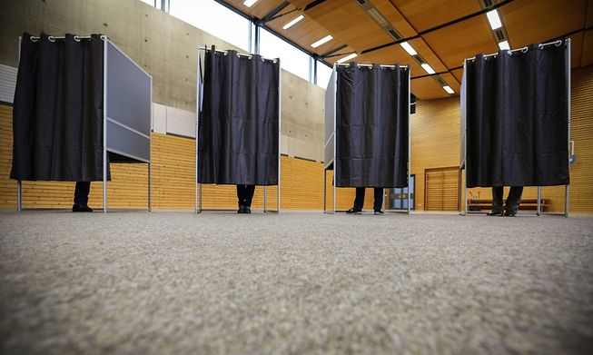Almost a quarter of respondents said they would vote for the main opposition party