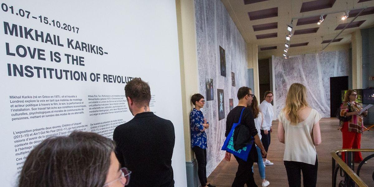 Une première exposition monographique de Mikhail Karikis en Europe continentale.