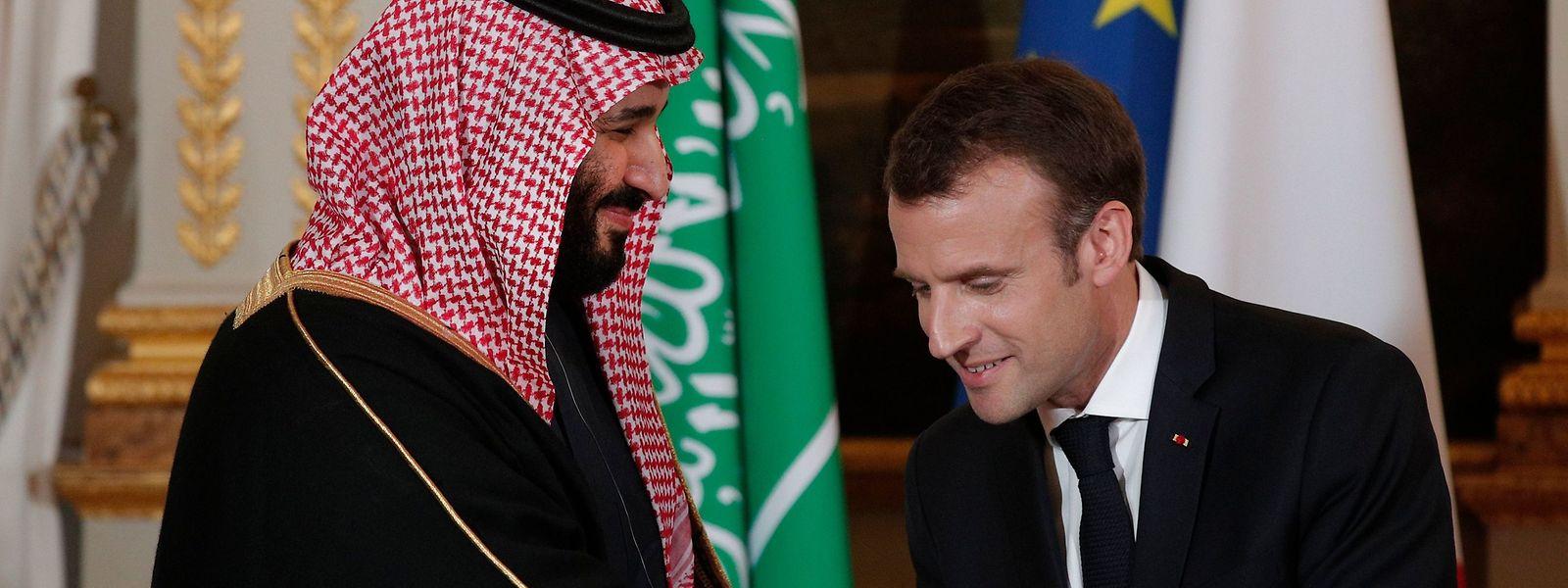 O príncipe herdeiro da Arábia Saudita, Mohamed bin Salman, e o presidente francês Emmanuel Macron.
