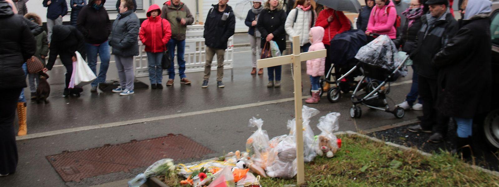 Gedenkminute für das verstorbene Kleinkind in Wiltz.