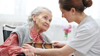 Die Reform der Pflegeversicherung lässt länger auf sich warten als geplant.