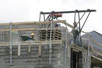 Seit Jahren zeichnen sich die politischen Beschlüsse im Wohnungsbau durch Halbherzigkeit und Schwerfälligkeit aus.