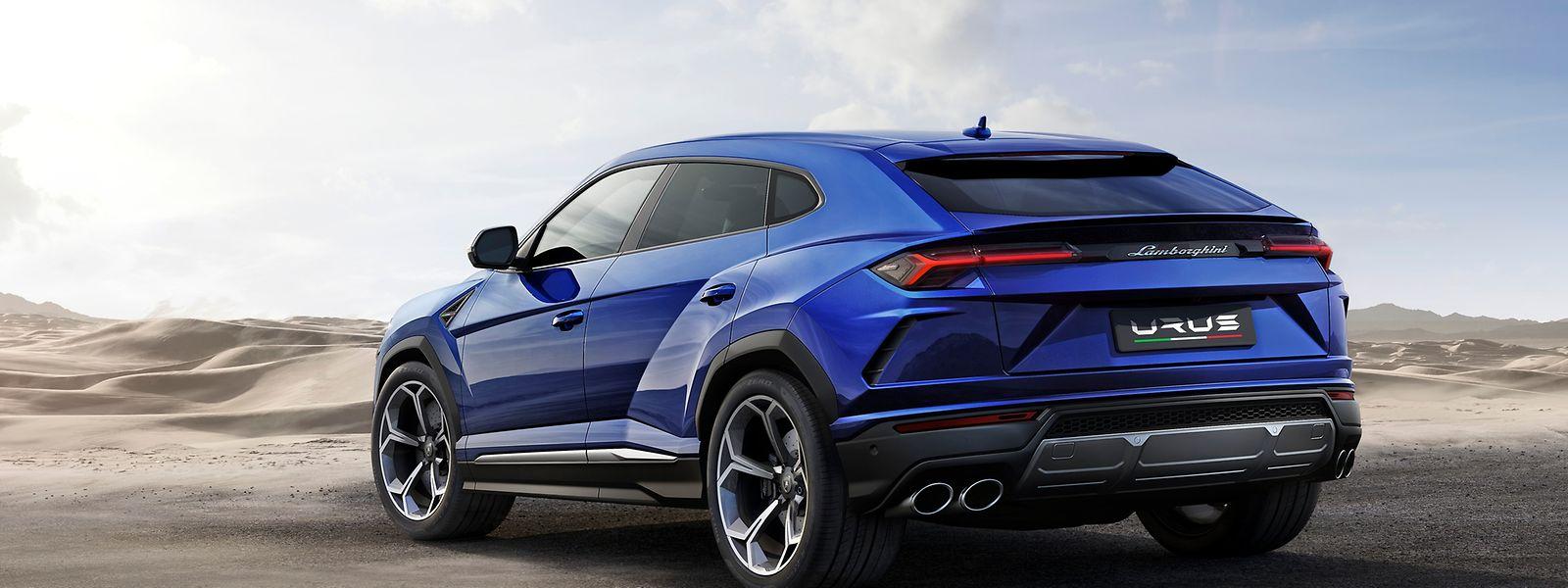 Der Lamborghini Urus verfügt über einen 478 kW (650 PS) starken 4,0-Liter-V8-Biturbo, der den Italiener bis zu 305 km/h schnell macht.