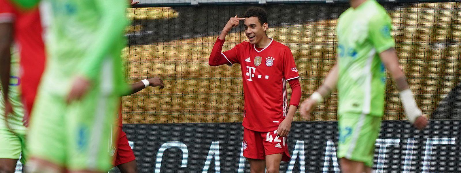 Jamal Musiala erzielt zwei Tore gegen Wolfsburg.