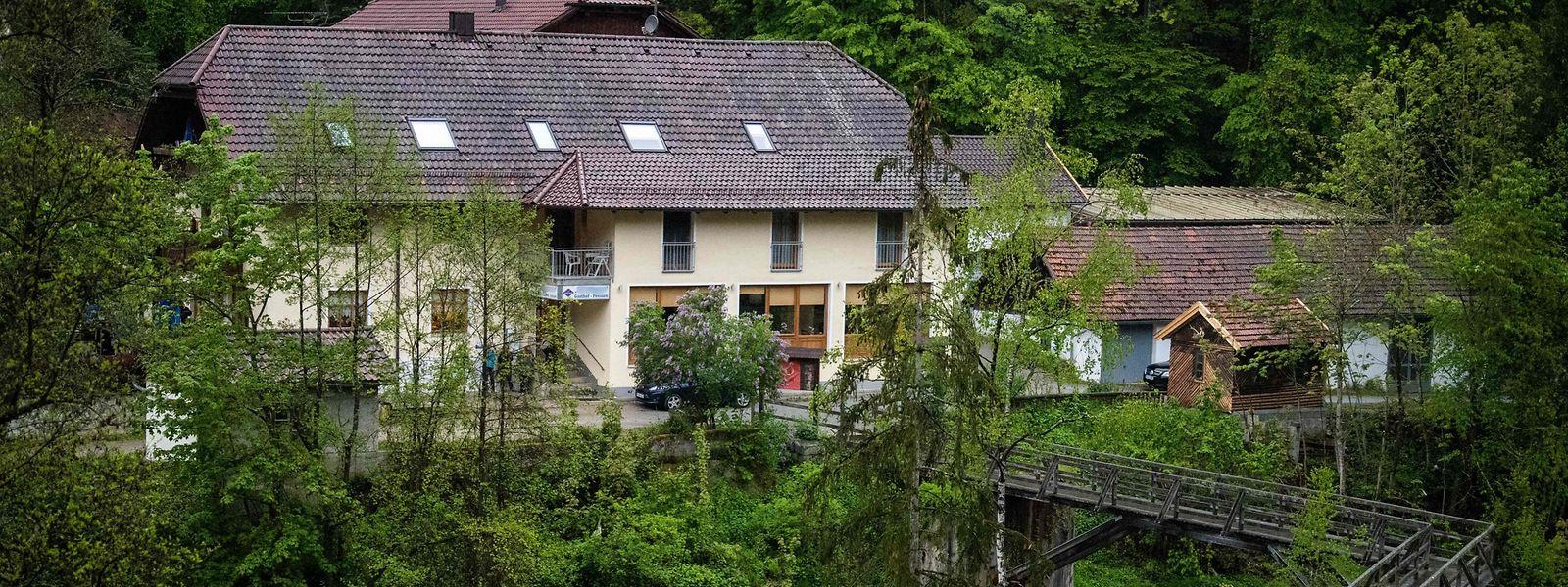 Die Pension liegt am Ufer des Flusses Ilz in Passau.