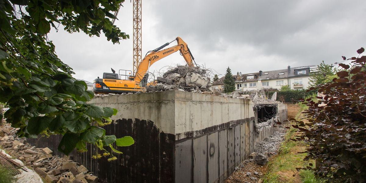 Das Haus in bester Howalder Lage wird derzeit abgetragen - obwohl es schon fast fertig war.
