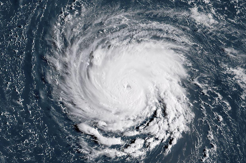 Satellitenbilder der US-Behörde NOAA zeigen Florence und seine Begleiter über dem Nordatlantik.