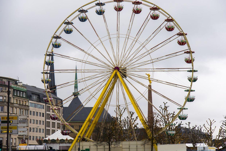 Vom 32 Meter hohen Riesenrad aus können Hauptstadtbesucher ab kommendem Freitag eine herrliche Aussicht über das Petrusstal genießen.