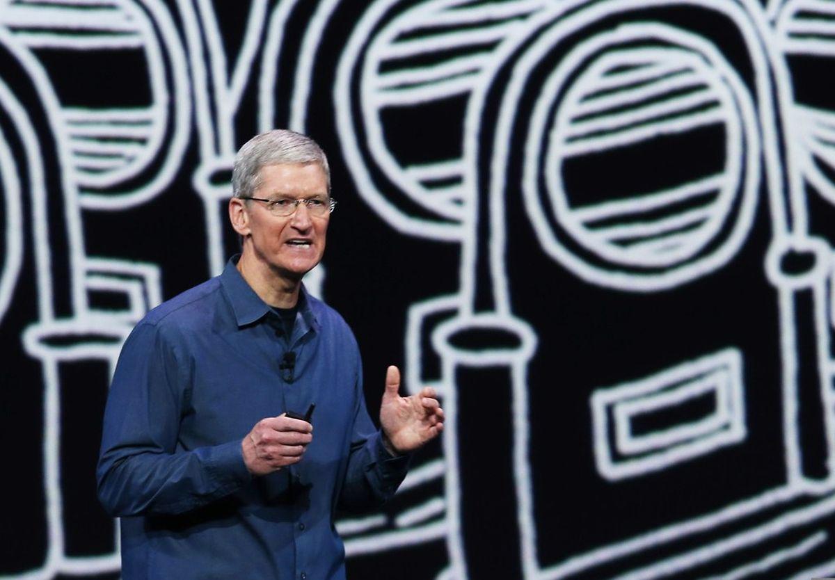 Apple-Chef Tim Cook führte durch die Präsentation, ließ aber auch einige seiner Mitarbeiter zu Wort kommen.