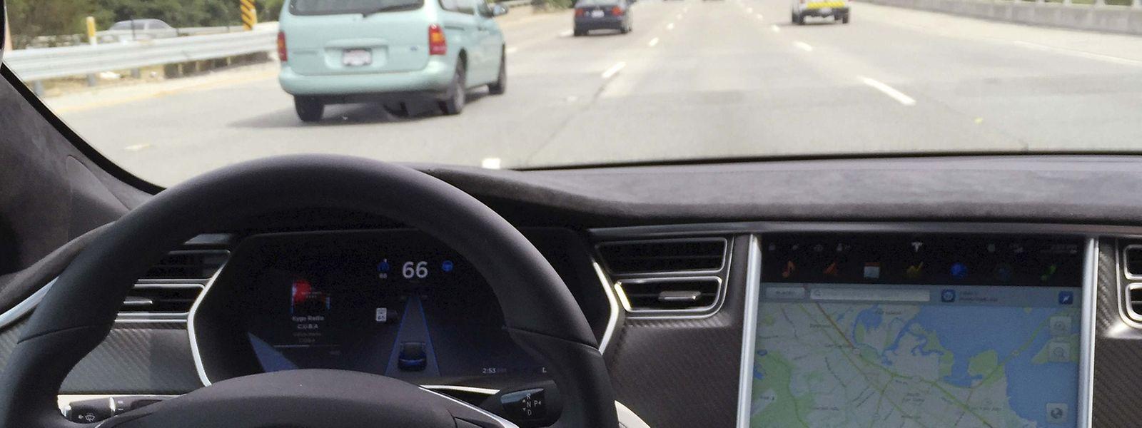 "Anfang Mai ist ein Tesla-Fahrer tödlich verunglückt - er hatte den ""Autopiloten"" eingeschaltet."