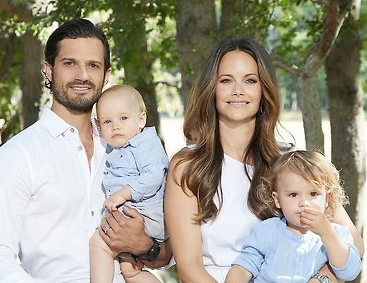 O príncipe Carl Philipe a princesa Sofia e os filhos.