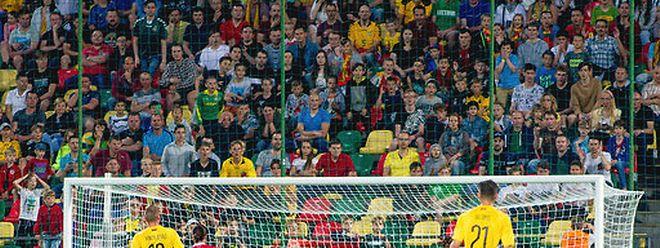 On joue la 21e minute de Lituanie - Luxembourg: Gerson Rodrigues ouvre la marque du pied droit