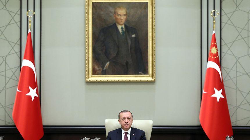 Recep Tayyip Erdogan kann weiter per Dekret regieren.