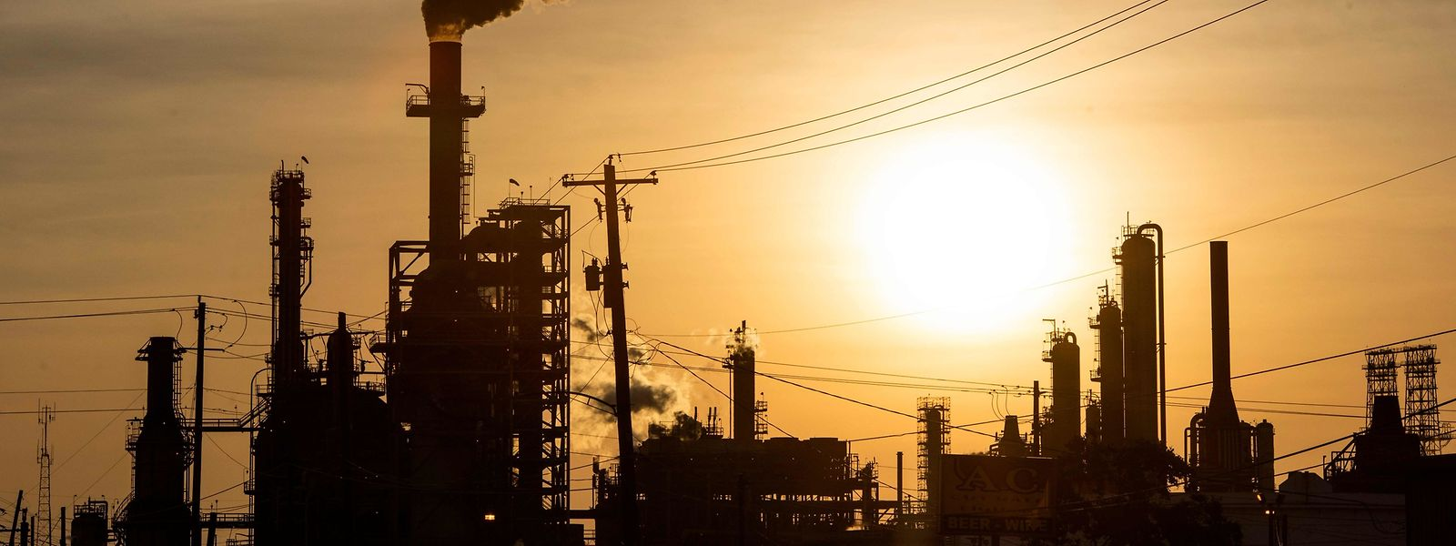Blick auf die LyondellBasell-Houston Raffinerie in Houston, Texas.